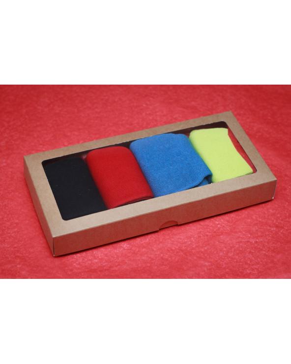 Šventiškai supakuotos 4 poros medvilninių pirštuotų kojinių 497/930