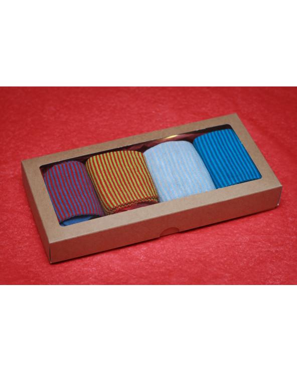 Šventiškai supakuotos 4 poros pusvilnonių pirštuotų kojinių 296
