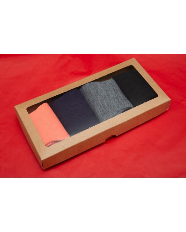 Šventiškai supakuotos 4 poros medvilninių pirštuotų kojinių 319